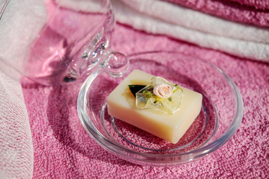 aromatherapy-aromatic-bath-206299.jpg