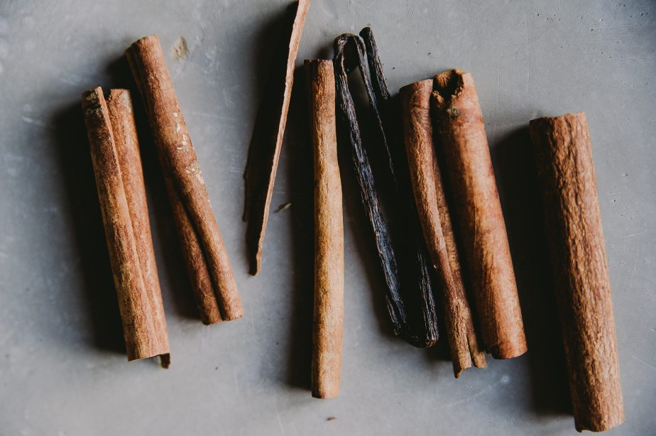 aromatic-cinnamon-close-up-1071015.jpg
